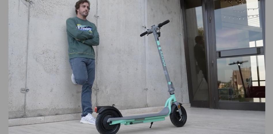 Fernando Alonso lanza su Patinete Eléctrico con PURE